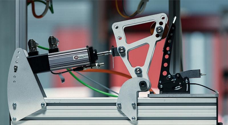 shop.gperformance.eu - Heusinkveld Engineering Sim Pedals Sprint endurance testing