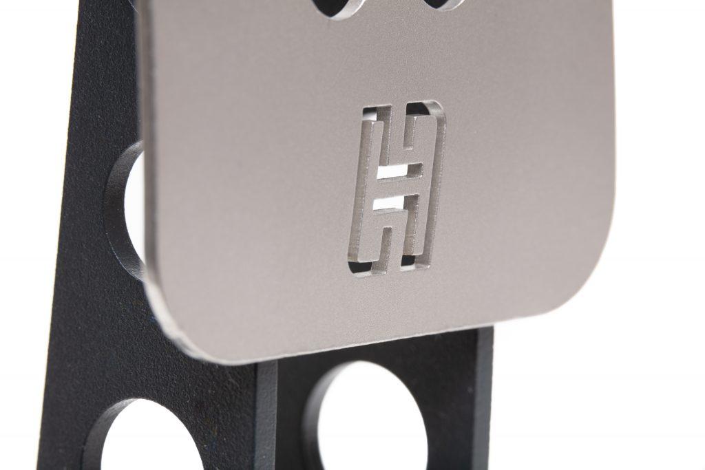 shop.gperformance.eu-Heusinkveld-Engineering-Sim-Pedals-Sprint-pedal-plate-with-Heusinkveld-logo