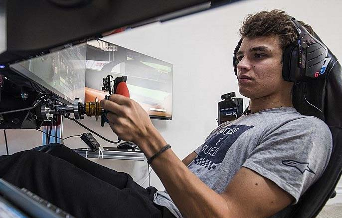 shop.gperformance.eu - Lando Norris Cube Controls Formula Pro sim racing wheel