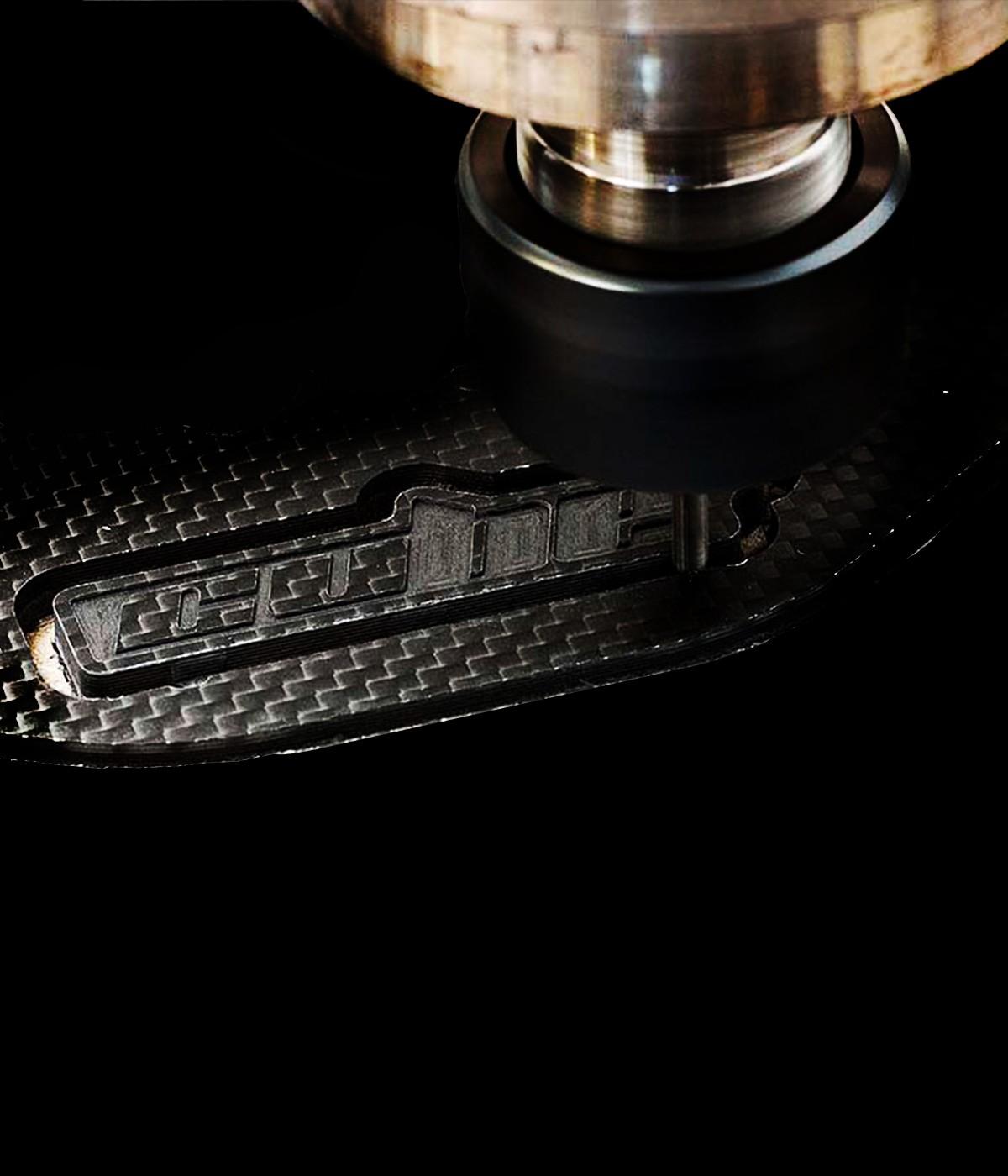 shop.gperformance.eu - Cube Controls Formula CSX 2 PC USB pure carbon fibre professional sim racing wheel Fanatec Logitech Thurstmaster Accuforce SimuCube 2 G-Performance